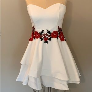 B. DARLIN 🌸FLORAL 🌸 Dress